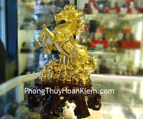 ngua lap ma thanh cong Y197 03 Ngựa vàng