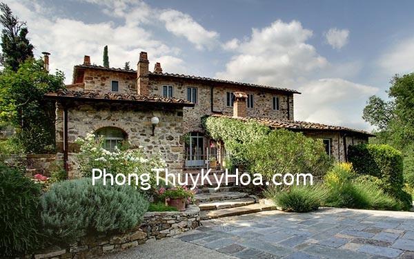 Villa Claudia 2 2565097k Cổng chính